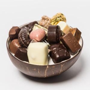 NOYA Coconut Bowl + 300 gr pralines